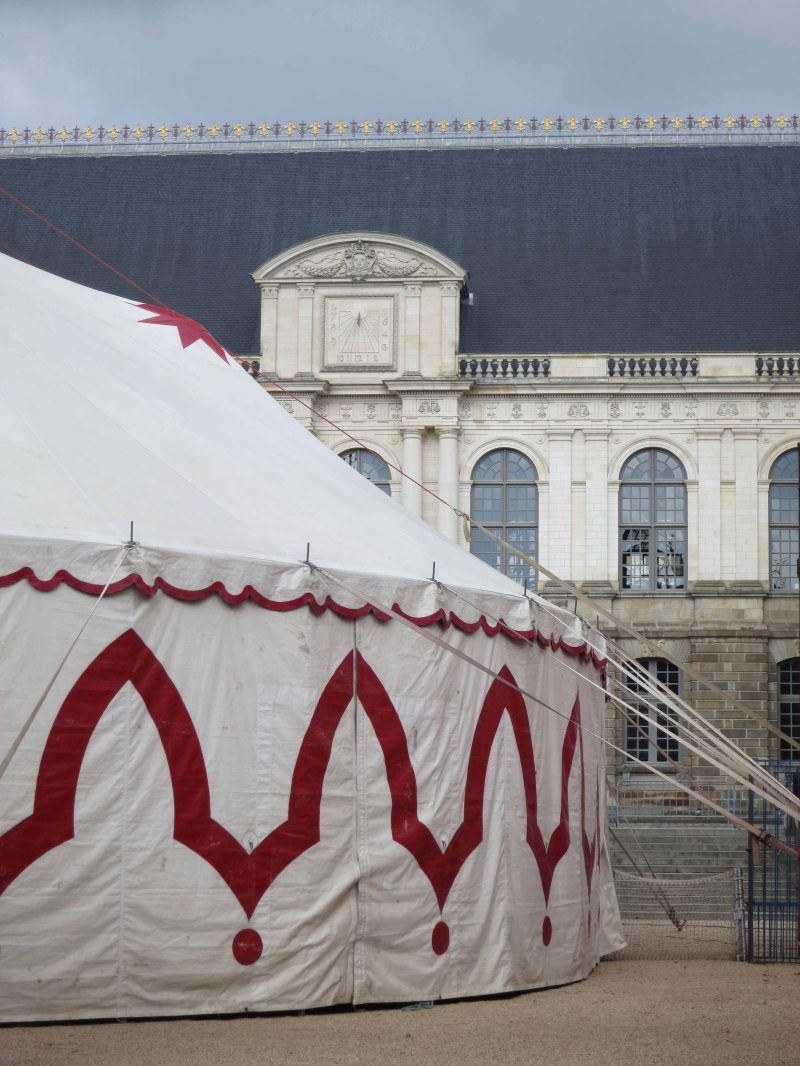 03 tent portrait