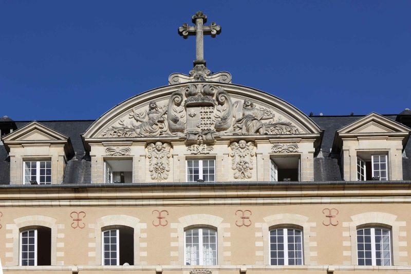 St. George - detail