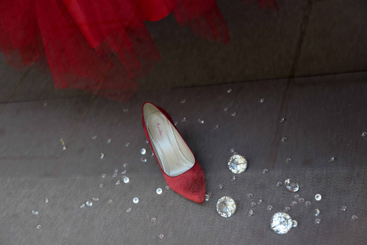 Red-rose meets Cinderella ...